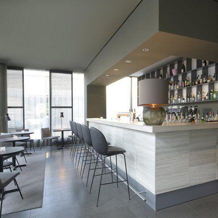 die Bar eines modernen City-Hotels